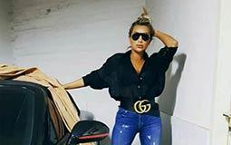 مايا دياب في جلسة تصوير ونسقت الحزام بطريقة مميزة