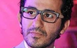 كيف يكسب أحمد حلمي جمهوره بعيدا عن الإعلام؟