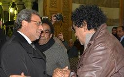 محمد منير اول حضور عزاء شقيقة خالد يوسف