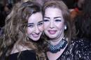 """صورة: زوجة طلعت زكريا وابنتها في العرض الخاص لـ""""خطة جيمي"""""""