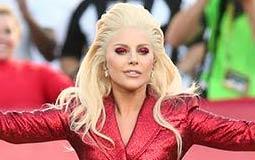 ليدي جاجا تشارك جمهورها كواليس التحضير لحفل Super Bowl