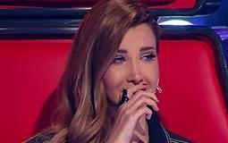 """بالفيديو- يائيل يبكي نانسي عجرم بـ """"خلصت الحكاية"""" على مسرح The Voice Kids"""