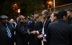 محمد فؤاد أثناء تقديمه للعزاء في الراحل مظهر أبو النجا
