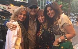 بالصور- محمود عبد العزيز يلتقي يسرا و إلهام شاهين في باريس