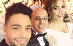 بالفيديو- جنات تشارك أحمد جمال الغناء في حفل زفافها