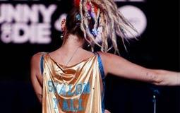 بالصور- مايلي سايرس تثير جدلا بسبب ارتدائها لنجمة داوود الإسرائيلية