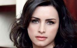 بالفيديو- نور اللبنانية تكشف عن اسمها الحقيقي وقصة حبها لزوجها والفيلم الذي رفضته مع محمد هنيدي