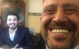 """أشرف عبد الباقي حرص على أن يكون شاهدا على عقد قران كل نجوم فرقته """"مسرح مصر""""."""