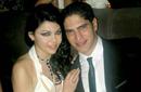 رغم أنه بصغرها بـ 10 سنوات، إلا أن الحب ربط بين رجل الأعمال المصري أحمد أبو هشيمة والنجمة اللبنانية هيفاء وهبي ليتزوجا في 2009، ولكنهما انفصلا في 2012 دون أن يثمر الزواج عن أي أطفال.