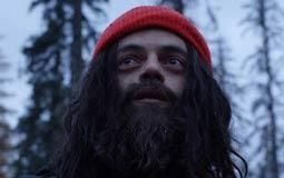 رامي مالك يتحول إلى رجل جبال غريب الأطوار في Buster's Mal Heart