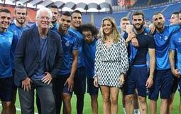 ريتشارد جير يحتفل ببطولة اوروبا مع لاعبى ريال مدريد