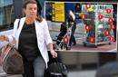 صورة: زوجة روني تسانده بعدد قياسي من حقائب السفر!