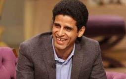 صورة - حمدي الميرغني يشبه نفسه بأحمد عبد العزيز