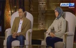 بالفيديو- زوجة سامح حسين في أول ظهور إعلامي: سامح شخص جاد جدا عكس أدواره