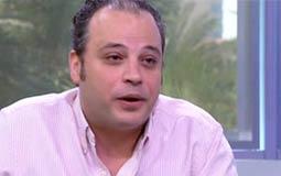 """بالفيديو- تامر عبد المنعم يغادر """"العاشرة مساء"""" على الهواء بعد مشادة بشأن مبارك"""