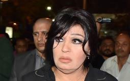 صورة- كيف حاولت فيفي عبده إخراج ابن وائل نور من أحزان العزاء