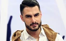 صورة- يعقوب شاهين نجم Arab Idol على أحد مسارح السويد