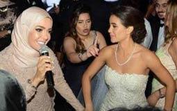 منى عبد الغني وابنتها ريم