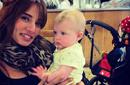 هل نشرت زينة صورة لأحد توأمها؟