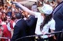 """بالصور: ساندي على طريقة مايلي سايرس في حفل توقيع """"حلوة جدا"""""""