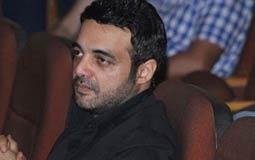 بيان شديد اللهجة من عمرو محمود ياسين ضد التجاوزات في حق والدته الفنانة شهيرة