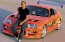 """سيارة """"تويوتا Supra """" البرتقالية التي يقدوها الضابط المتخفي براين أوكونر، والتي أعطاها براين لصديقه دومنيك في نهاية """"The Fast and the Furious"""" لكي يهرب بها من الشرطة، وأخبره أنه علي أي حال مدين له بسيارة فارهة. الطريف في الأمر أن براين أكد في الفيلم أنه صرف على سيارته حوالي 20 ألف دولار، لكن في حقيقة الأمر السيارة تم تعديلها بـ 100 ألف دولار."""