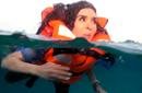 """بالفيديو-دينا خوفا من """"قرش البحر"""": اللهم إني استغفرك وأتوب إليك إني كنت من الظالمين"""