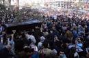حشد جماهيرى كبير فى جنازة فاتن حمامه من مسجد الحصرى
