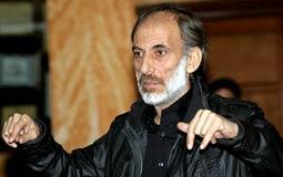 اسمع- غسان مسعود ينفي وفاته