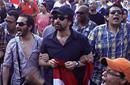 كريم عبد العزيز مع أحمد حلمي أثناء اشتراكهم في 30 يونيو