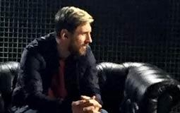 """صورة- سعادة ميسي بالفوز على """"ريال مدريد"""" تزداد بعد مقابلة جوليا روبرتس"""