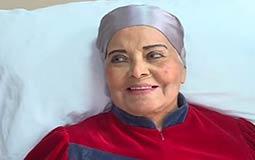 بالفيديو- مديحة يسري توجه رسالة إلى جمهورها من داخل المستشفى