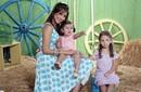 نانسى عجرم مع ابنتيها أيلا وميلا