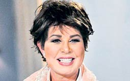 """بالفيديو- نجوى إبراهيم تعتذر عن تصريحاتها حول """"البنطال الممزق"""" والمساواة بين الناس"""