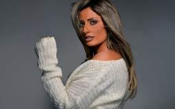 """بالصور- نهال نبيل تتعاقد مع """"مزيكا"""" لطرح ألبومها الجديد"""