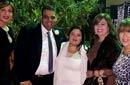 بوسي وإلهام شاهين بصحبة العروسين