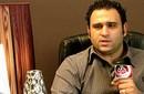 """أكرم حسني يعيد تقديم """"أول مكرر"""" بساقية الصاوي"""