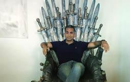 """صورة- ربما خسر باسم يوسف """"البرنامج"""".. لكنه وصل الآن لعرش Game Of Thrones الحديدي"""