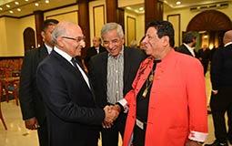 صورة- ما الذي جمع أحمد شفيق وشعبان عبد الرحيم؟