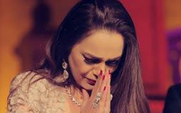 بالصور- شيريهان تنعي وفاة المختصة بملابسها: يا من أمنتك أمي عليا رحمة الله عليكِ