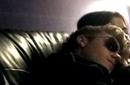 جستين بيبر نائم على كتف سيلينا جوميز في الأستوديو