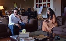 """أبرز أحداث الحلقة الرابعة من مسلسل """"بين عالمين""""- طارق لطفي وزيرا للإسكان بعد خيانة صديقه """"هشام"""""""