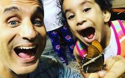 باسم يوسف  يمضي الإعلامي باسم يوسف أوقاتا خاصة برفقه ابنته نادية منذ وصولها إلى دبي، ونشر باسم صورة له برفقه نادية أثناء قضاء يوم في حديقة الفراشات بدبي.