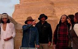 ويل سميث وصل مصر منذ ساعات في رحلة خاصة