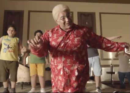 """شاهد في """"الوصية"""": رقصة بيومي فؤاد على طريقة الإعلانات"""