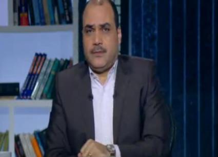 محمد الباز: مصور الصور العارية فوق الهرم يستنكر استياء المصريين من تصرفه