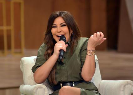 """إليسا تلخص عام 2018 بأغنية """"شمس العيد"""""""