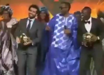 """محمد رمضان يحتفل بفوز محمد صلاح بجائزة أفضل لاعب في إفريقيا على نغمات """"مافيا"""""""