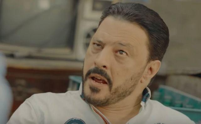 عمرو عبد الجليل يشجع الجزائر وتونس بمشهد كوميدي
