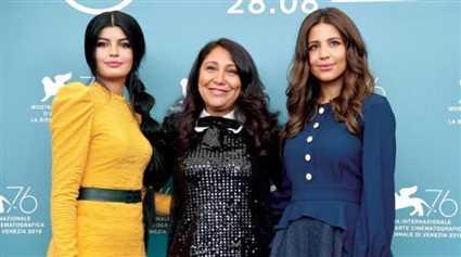 """""""المرشحة المثالية""""..ميلا الزهراني سفيرة تصميمات الأزياء السعودية على السجادة الحمراء بمهرجان """"فينيسيا"""""""